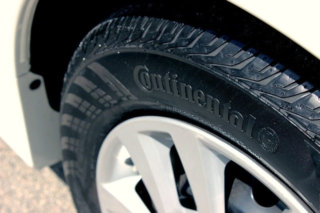 close-up-SUV-tire